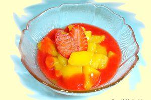 Salade de mangues au coulis de fraises