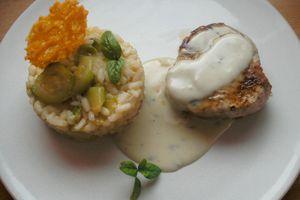 Grenadin de veau et son risotto au gorgonzola, tuile au parmesan