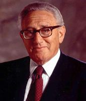 Kissinger donates his papers to Yale