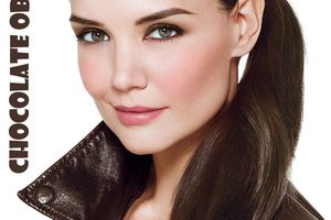 Katie Holmes pour la collection Rich Chocolate de Bobbi Brown.
