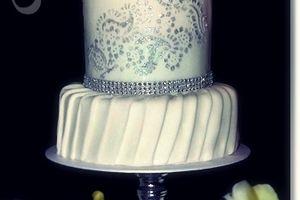Wedding cake Oriental blanc & argent