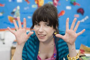 BE HAPPY (BANDE ANNONCE VO 2008) de Mike Leigh avec Sally Hawkins