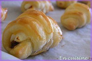 Mini croissants aux tomates séchées et fromage frais