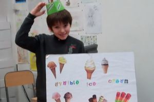 Buying an ice-cream ! (role-play in the classroom with Jules, Kenza and Paul))