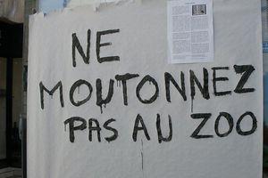Poitiers : Stop la pub ! Tract des Déboulonneurs 86