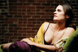 Madeleine Peyroux sings Leonard Cohen : Dance me to the end of love