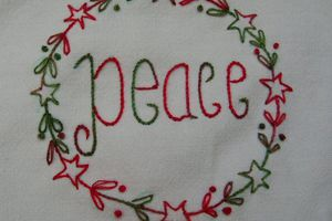 Broderie traditionnelle : Peace