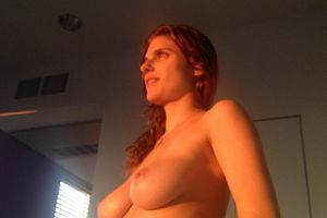 Photo volée : Lake Bell nue