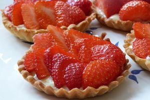 Tarte aux fraises, ganache fondante au chocolat blanc et vanille