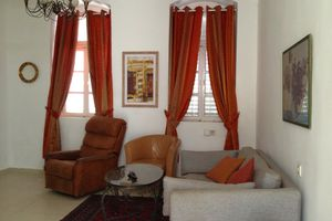 House for rent with Garden, in neve Tsedek, at beach (400 meters)