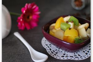 Salade de fruits finement poivrée