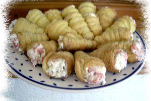 Cornet feuilleté au fromage frais et saumon fumé