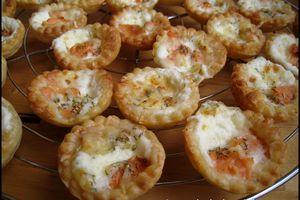 Mini-tartelettes feuilletées au saumon fumé