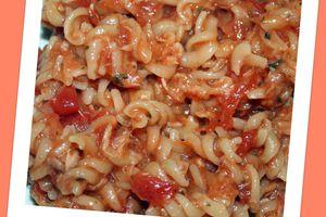 Torsettes tomates, thon et basilic