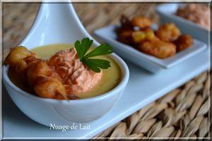 Velouté de Maïs aux Epices Cajun, Beignets de Maïs en brochette et Crème de Poivron Rouge