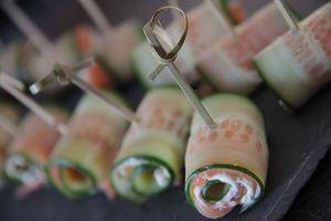 Roulade de concombre et saumon fumé