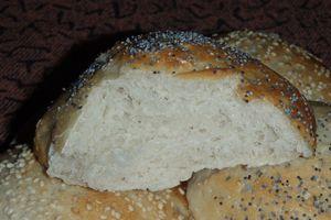 Petits pains très très moelleux au pavot et au sésame