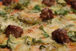 Pizza boulette courgette