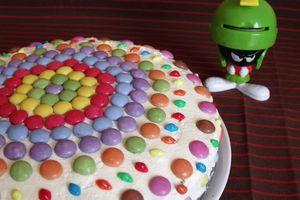 Magnifique gâteau d'anniversaire chocolat / Smarties