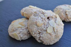 Riciarelli (petits biscuits aux amandes)