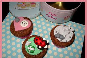 Cupcakes et Décors Pâte à Sucre