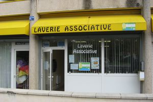 UNE LAVERIE TRES ASSOCIATIVE AUX PRES SAINT-JEAN.