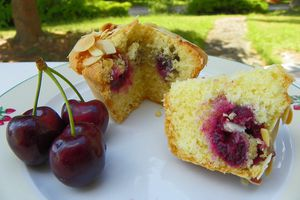 MUFFINS CERISES - AMANDES ( thermomix )