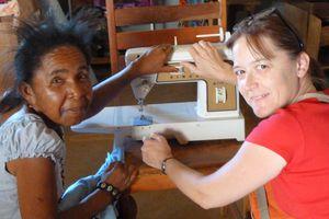 Une machine à coudre en partance pour Madagascar ...