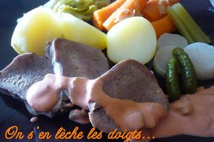 Langue de boeuf sauce piquante - Le blog de onsenlechelesdoigts.over-blog.com