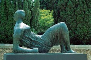 A touch of Henry Moore (7)
