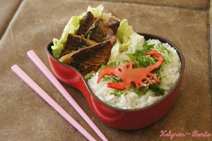 Bento n°59 - Bento Scorpions !! Riz, chou chinois et maquereau à la chinoise