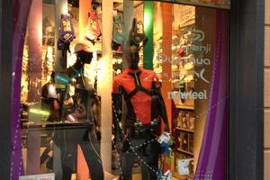 Lot of colors Madrid : la boutique ''city'' des marques Décathlon en Espagne.