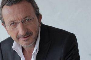 Entretien avec le romancier Jacques Expert
