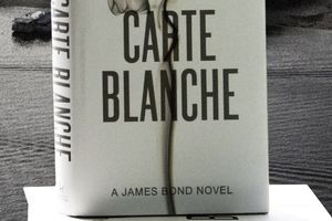 "Nouveau roman de James Bond! ""Carte blanche"""