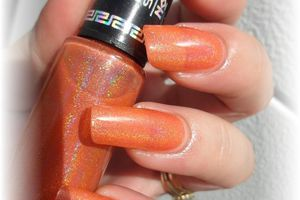 "vernis HITS "" demeter holo "" , stick and nails"