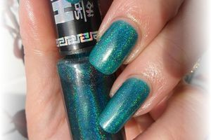 "vernis HITS "" hera "" , stick and nails"