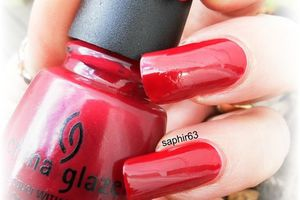 china glaze merry berry - nails papillons