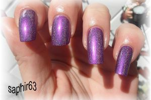 yes love N09 + top coat holo , stick and nails