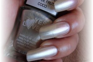 vernis yes love noix de coco - kristal beauté