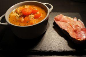Soupe à la tomate et au pain