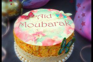 Gâteau aux fruits rouges et à la crème au beurre et sa meringue suisse