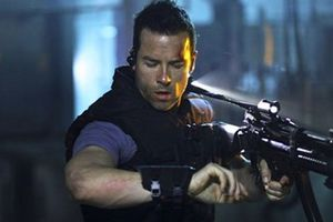 MS One : Maximum Security (BANDE ANNONCE VOST) avec Guy Pearce - 18 04 2012 (Lock-Out)