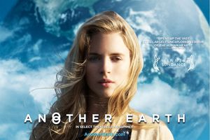 ACTUELLEMENT : Another Earth (BANDE ANNONCE VOST) + 2 EXTRAITS VOST avec William Mapother, Brit Marling, Jordan Baker - 12 10 2011