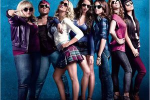 The Hit Girls (BANDE ANNONCE VF et VOST) avec Elizabeth Banks, Anna Kendrick, Brittany Snow - 08 05 2013 (Pitch Perfect)