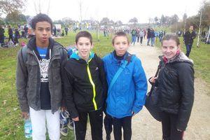 4 athlètes de St Gilduin au régional de cross à Plouay.