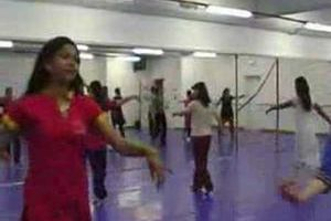 Danse : apprendre la danse indienne style Bollywood (Youtube)