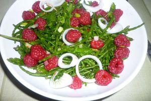 Salade de salicornes, framboises et oignons