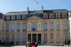 Partout le chef de l'État rassemble, en France, le Président est celui qui divise