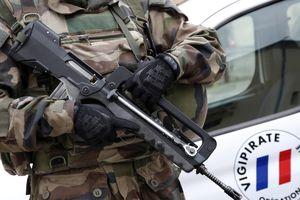 Orly  : l'arme dérobée à une patrouille Sentinelleétait-elle chargée?