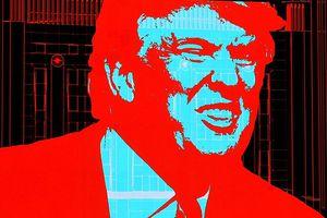 De Donald Trump à Guy Debord (en passant par Network) -- 20 avril 2017 Trump a viré casaque, devenant, comme tout politique euro-américain qui se respecte, antinational, néolibéral, néocon et néo-scène et tout. Bien lui en a pris puisqu'il est remonté dans les sondages, passant de 37 à 50% d'opinions favorables, en attendant 100% quand il aura déclaré la guerre nucléaire à Pékin et à Moscou. Il est passé avec âme et bagages dans le camp du gang international qui domine, exploite et anéantit cette planète. Donald joue la petite créature postmoderne dans une vingtaine de films, souvent en caméo. Il célèbre dans Zoolander le mannequin éponyme joué par Ben Stiller et qui n'existe que dans l'étoffe (ou dans la « toile ») dont sont tissés nos rêves. Il était souvent référencé aussi dans la série légendaire Sex and the City. Trump est bien estimé par Woody Allen.
